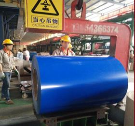 彩钢复合板生产车间